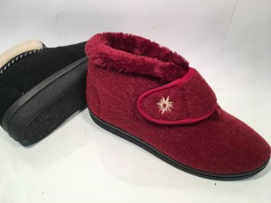 72225L@Pantofole Panno Donna Strappo@Donna Chiara 35-40  36-41 @ 12 P. Box  € 5,90