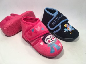 72285B&C@Pantofole Boy&Girl Velcro@SliPPerS 19-27 28-34 @24 P. Box € 3,90  €4,30